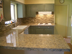 Granite countertop and glass tile kitchen backsplash tile installation in Fort Collins, Colorado