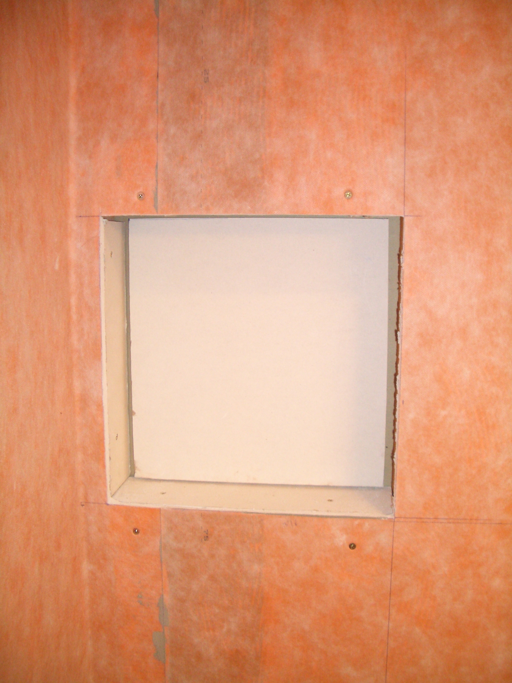 How to build a niche for your shower part 1 installing a filler piece for the back of the niche solutioingenieria Images